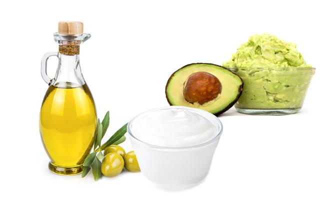Авокадо и оливковое масло для восстановления волос